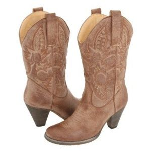 Very Volitale Cowgirl Boots NEW